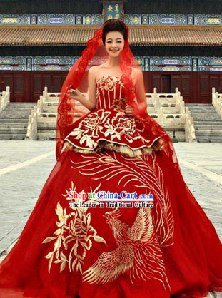 Traditional Chinese Red Phoenix Wedding Veil Clothing Skirt Evening Dress