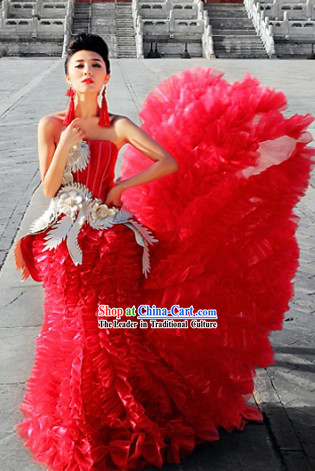 Traditional Chinese Red Phoenix Wedding Evening Dress