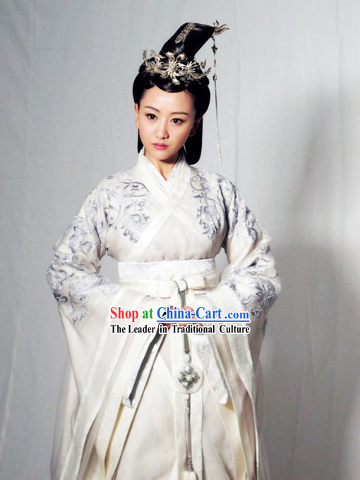 Ancient Chinese Embroidered Flower Lv Zhen Legend Hanfu Clothing for Women