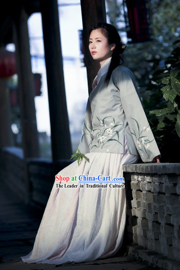 Traditional Ancient Chinese Ming Dynasty Clothes for Women