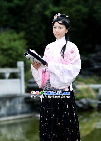 Ancient Chinese Ming Dynasty Robe and Skirt for Women