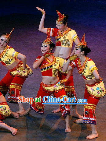 Chinese Yi People Dance Costumes and Hat
