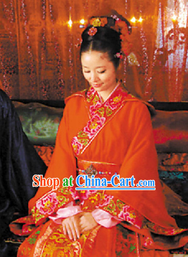 Traditional Chinese Ceremonial Wedding Dress