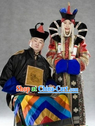 Mongolian Wedding Dresses and Hats for Brides and Bridegrooms