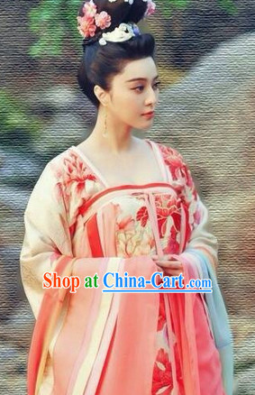 The Empress of China Clothing and Headwear