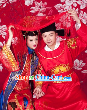 Traditional Chinese Wedding Dresses and Hats