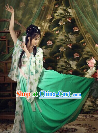 Traditional Chinese Green Dance Costumes