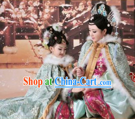 Qing Dynasty Clothes and Headwear Complete Sets for Mother and Daughter