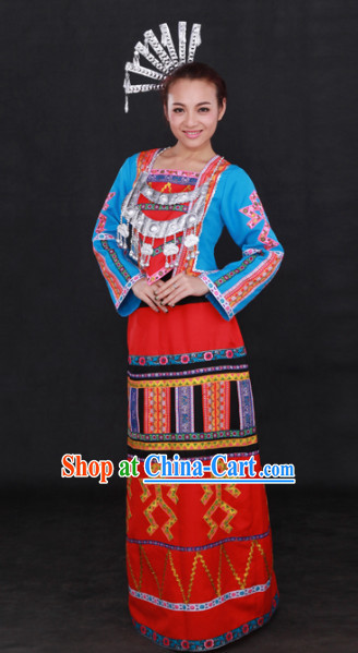 Li 56 Ethnic Minority Dresses and Headgear Complete Set