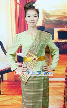 Long Sleeves Traditional Southeast Asia Clothes for Women