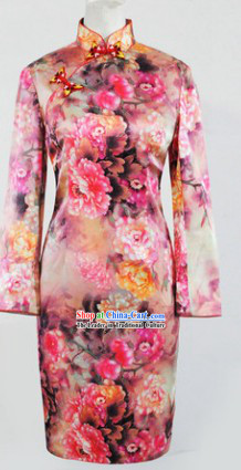 Traditional Chinese Silk Peony Cheongsam