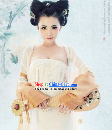 Ancient Chinese Tang Dynasty Beauty Dresses and Accessories for Women