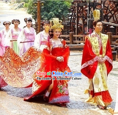 Ancient Chinese Red Wedding Dresses and Hats for Brides and Bridegrooms
