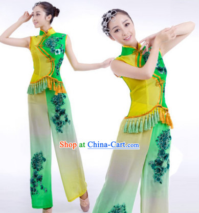 Traditional Chinese Stage Performance Yangge Dancing Dresses and Hair Accessories