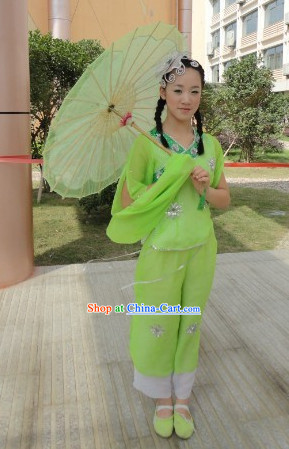 Traditional Chinese Classical Dancing Clothes and Umbrella