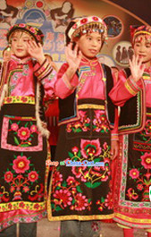 Folk Chinese Qiang Ethnic Dancing Costumes and Hat Complete Set