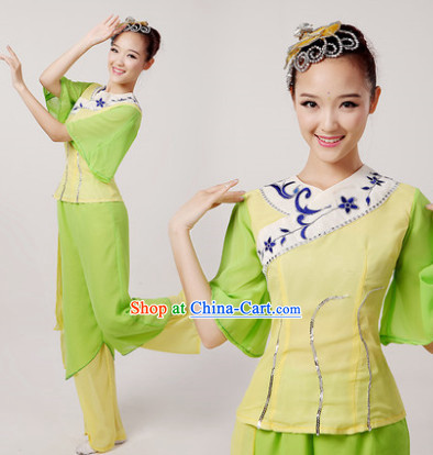 Popular Chinese Fan Dance Costume
