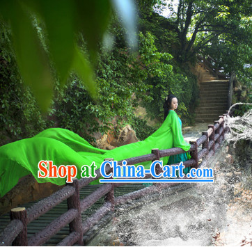 Chinese Traditional Dress Hanfu for Girls with Long Trail