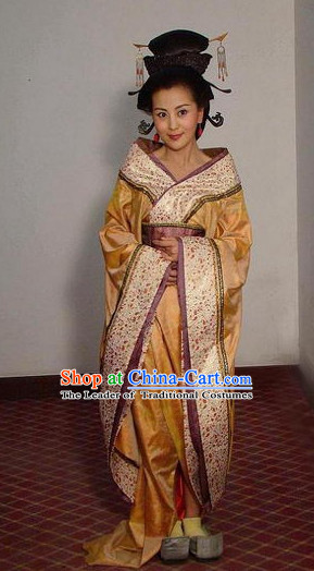 Chinese Tang Dynasty Beauty Classic Costume Dresses Clothing Clothes Garment Outfits Suits and Hair Jewelry Complete Set for Women