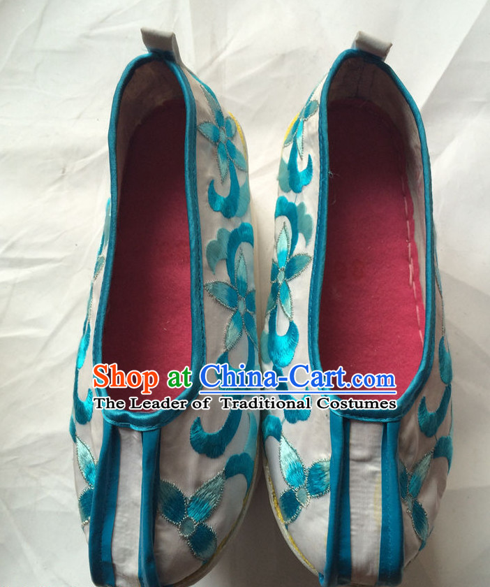 Classic Chinese Opera Shoes for Women