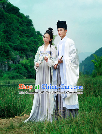 Ancient Chinese Hanfu Garment and Hat for Men