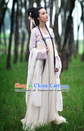Chinese Tang Dynasty Wear Clothing and Hair Jewelry Complete Set for Women