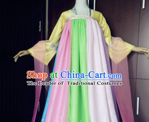 Chinese Tang Dynasty Clothing for Women