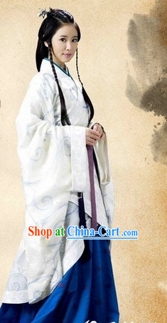 Traditional China Princess White Hanfu Garment for Women