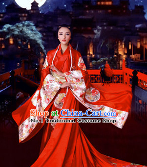 Chinese Traditional Red Bridal Wedding Outfit for Women