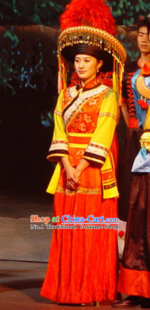 China Yunnan Lijiang Ethnic Minority Dresses and Hat for Women