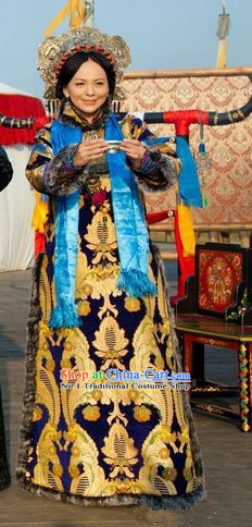 Manchu Queen Robe Costumes and Hat