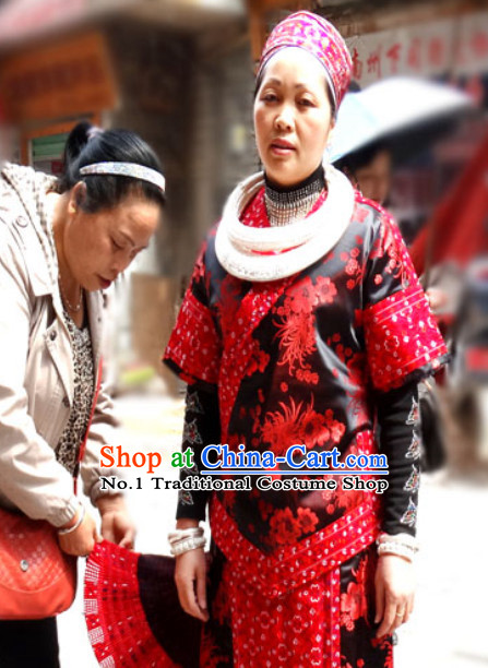 China Miao Tribe Minority Ethnic Garment and Silver Accessories for Women
