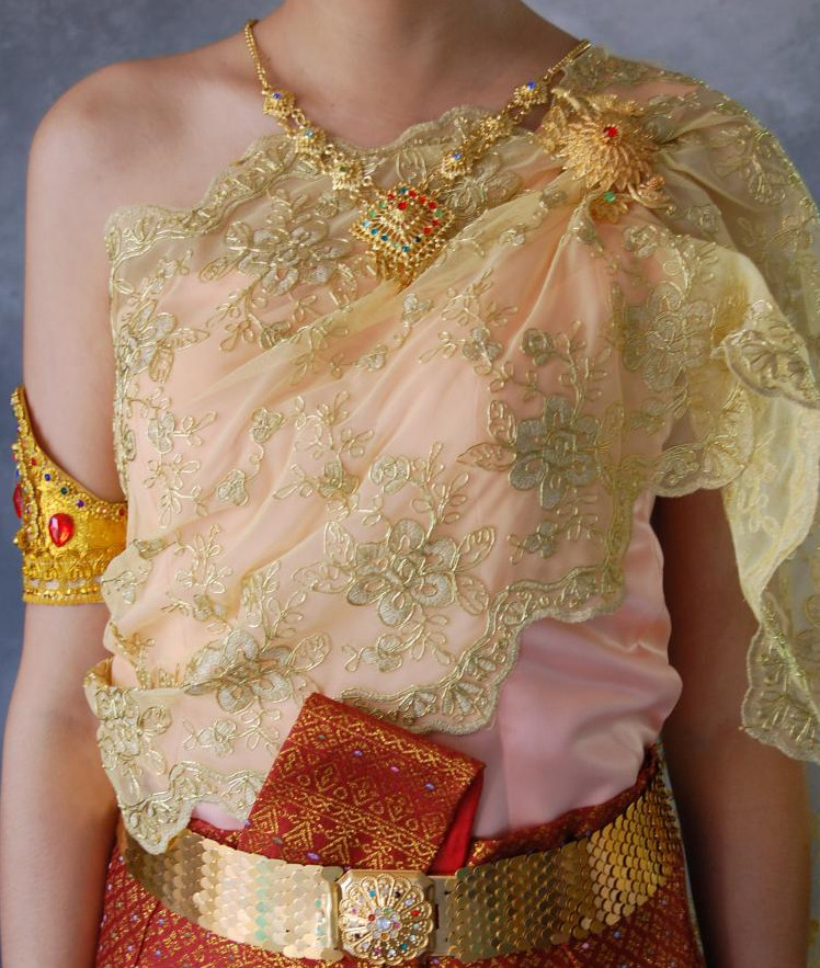 Formal Thai Costumes for Women