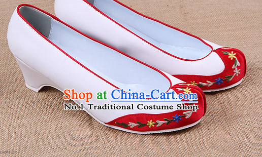 Traditional Korean Bridal Shoes online for Women