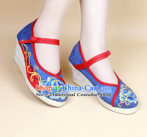 Chinese Traditional Fabric Lotus Shoes