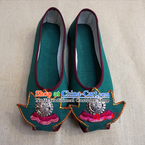 Chinese Tradiitonal Handmade Fabric Shoes