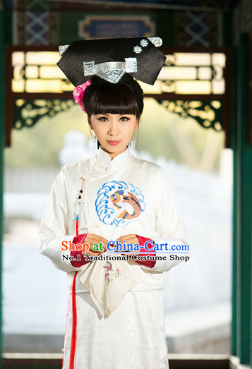 Chinese Traditional National Costumes Palace Lady Long Robe and Hair Accessories