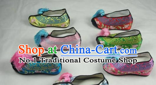 Chinese Beijing Opera Embroidered Shoes for Women