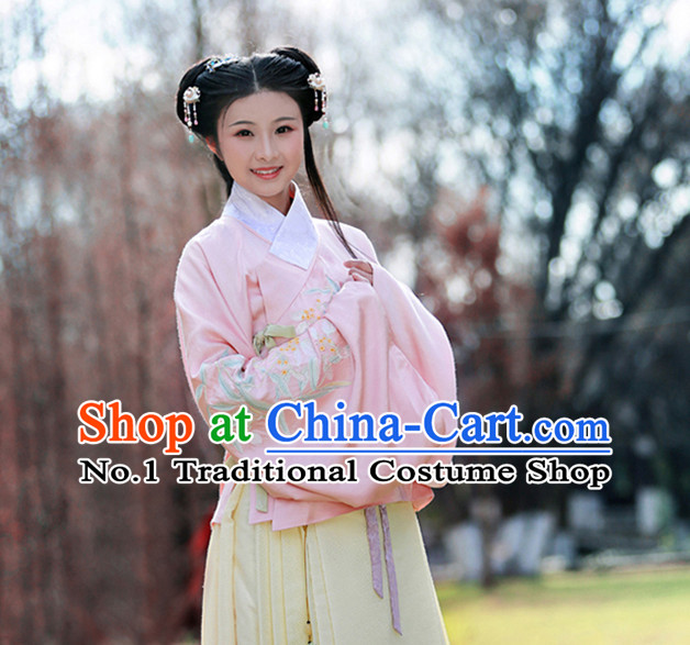 Chinese Ancient Ming Dynasty Garment and Hair Jewelry Complete Set