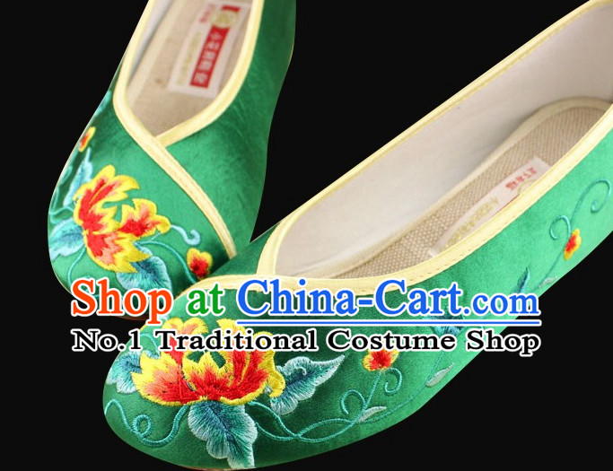 Traditional Chinese Fabric Embroidery Shoes