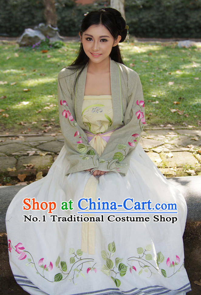 Ancient Chinese Embroidered Flower Traditional Clothes Complete Set for Women