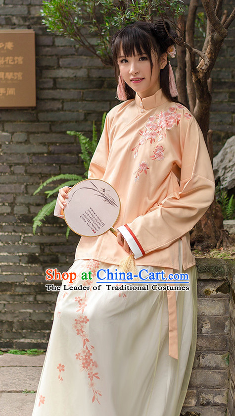 Chinese Ancient Hanfu Wear and Hair Jewelry Complete Set for Women
