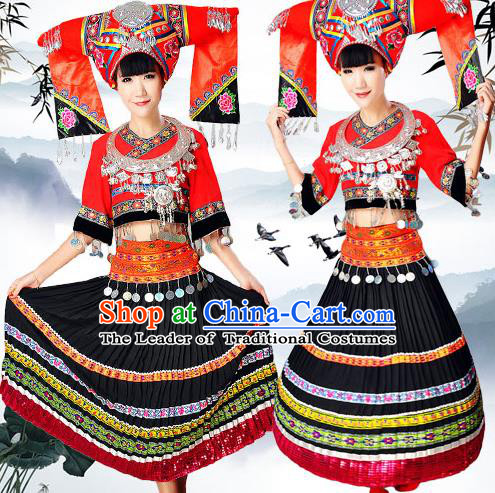 Traditional Chinese Zhuang Nationality Dancing Costume, Zhuangzu Female Folk Dance Ethnic Pleated Skirt, Chinese Zhuang Minority Nationality Embroidery Costume for Women