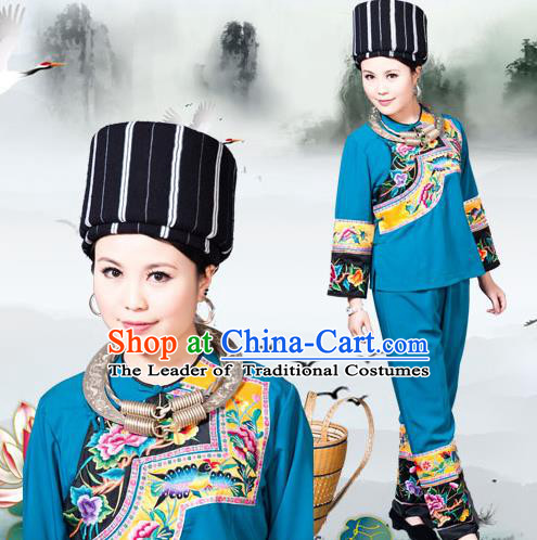 Traditional Chinese Miao Nationality Dancing Costume, Hmong Female Folk Dance Ethnic Dress, Chinese Minority Nationality Embroidery Costume for Women