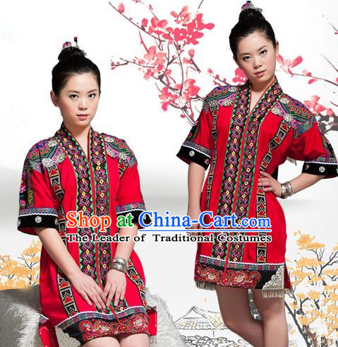 Traditional Chinese Tujia Nationality Dancing Costume, Tujiazu Female Folk Dance Ethnic Sealand Karp Pleated Skirt, Chinese Minority Tujia Nationality Embroidery Costume for Women