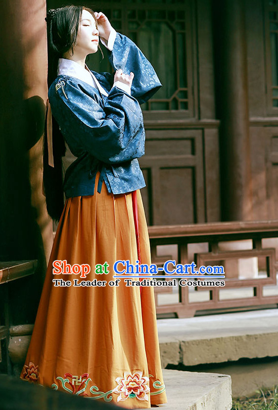 Blue Ancient Chinese Ming Dynasty Clothing for Women