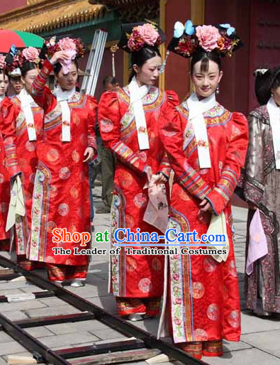 Qing Dynasty Chinese Imperial Palace Lady Style Authentic Long Robe Clothes Culture Costume Dresses Traditional National Dress Clothing and Headwear Complete Set