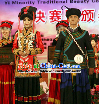 Chinese Yi Group People Folk Dance Ethnic Dresses Traditional Wear Clothing Cultural Dancing Costume Complete Sets for Men and Women