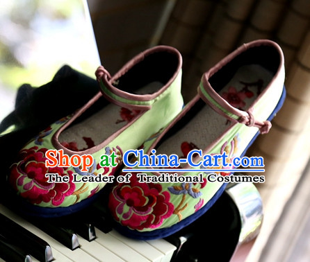 boots Shoe boot Geta Slippers Chinese Shoes Wedding Shoes Wushu Shoes Mens Shoes Opera Shoes Hanfu Shoes Embroidered Shoes