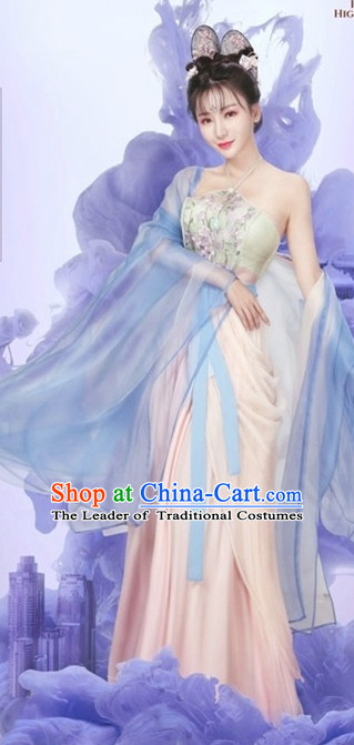 Ancient Chinese Royal Highness Beauty Costumes and Hair Accessories Complete Set for Women